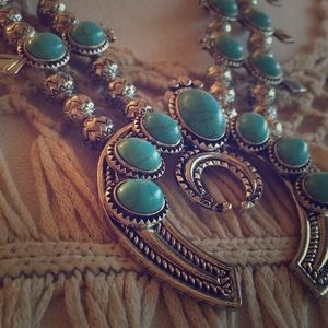 Jewelry - Turquoise Squash Necklace & Earring Set